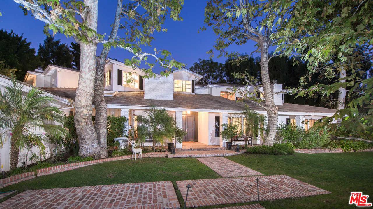 kyle richards and mauricio umansky list their belair home exterior