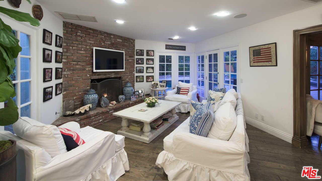 Kyle Richards and Mauricio Umansky List Their Bel Air Home For ...