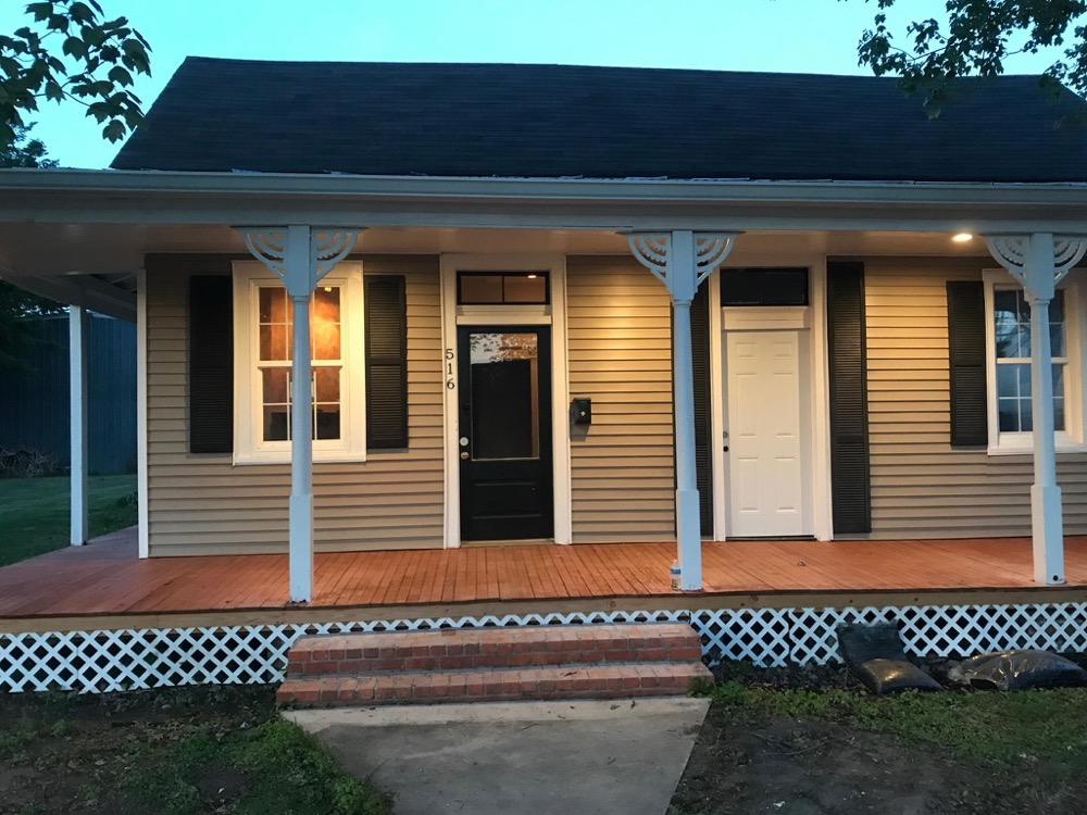 a romantic home for rent in New Iberia, Louisiana