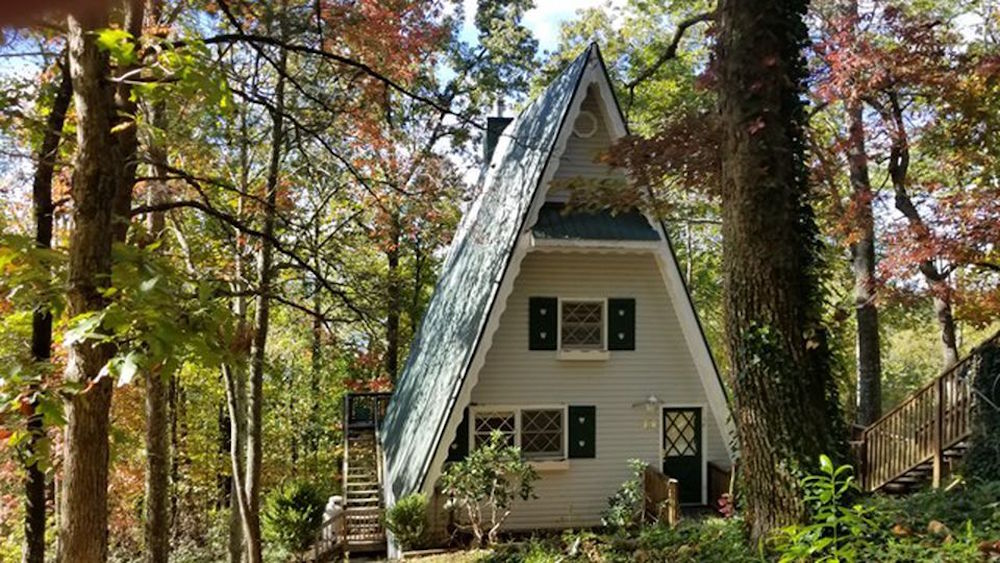 Cozy Country Cottages For Sale Under $200,000