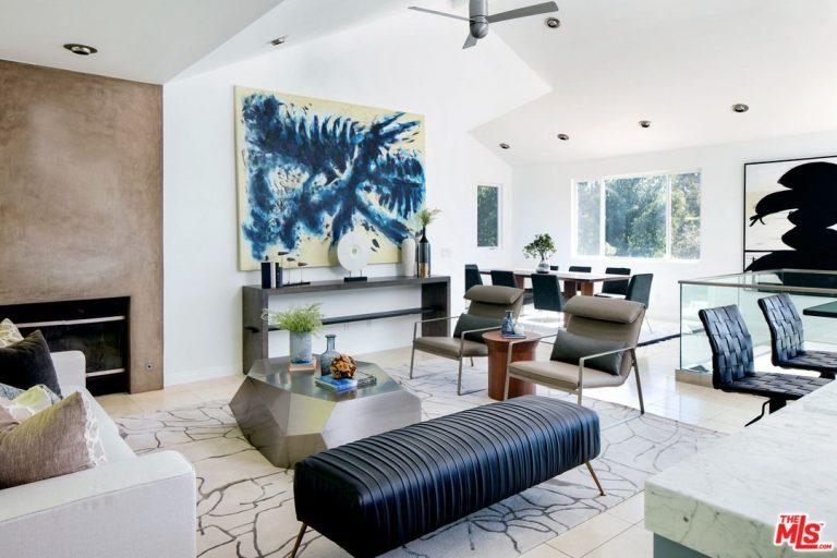 billy bob thornton lists his malibu home for 2.3 million living room