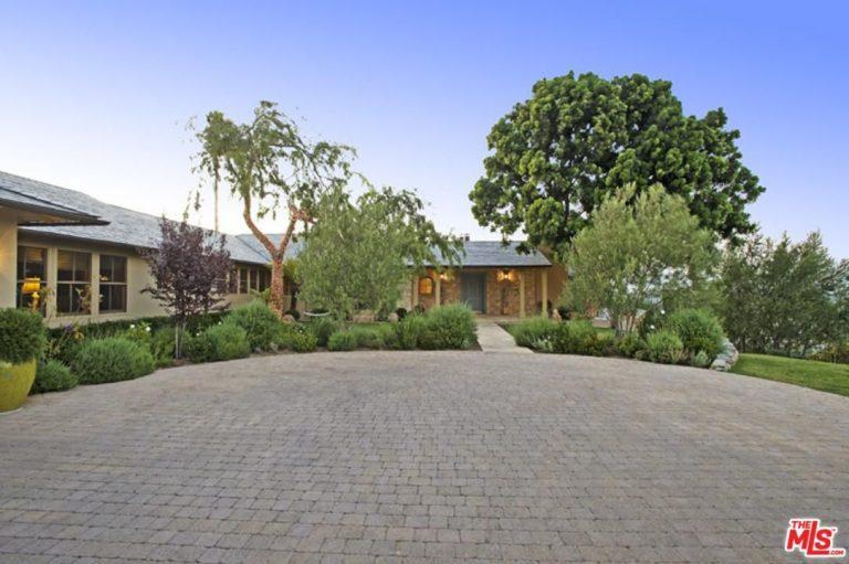 elizabeth banks buys sherman oaks home for $6.8m exterior