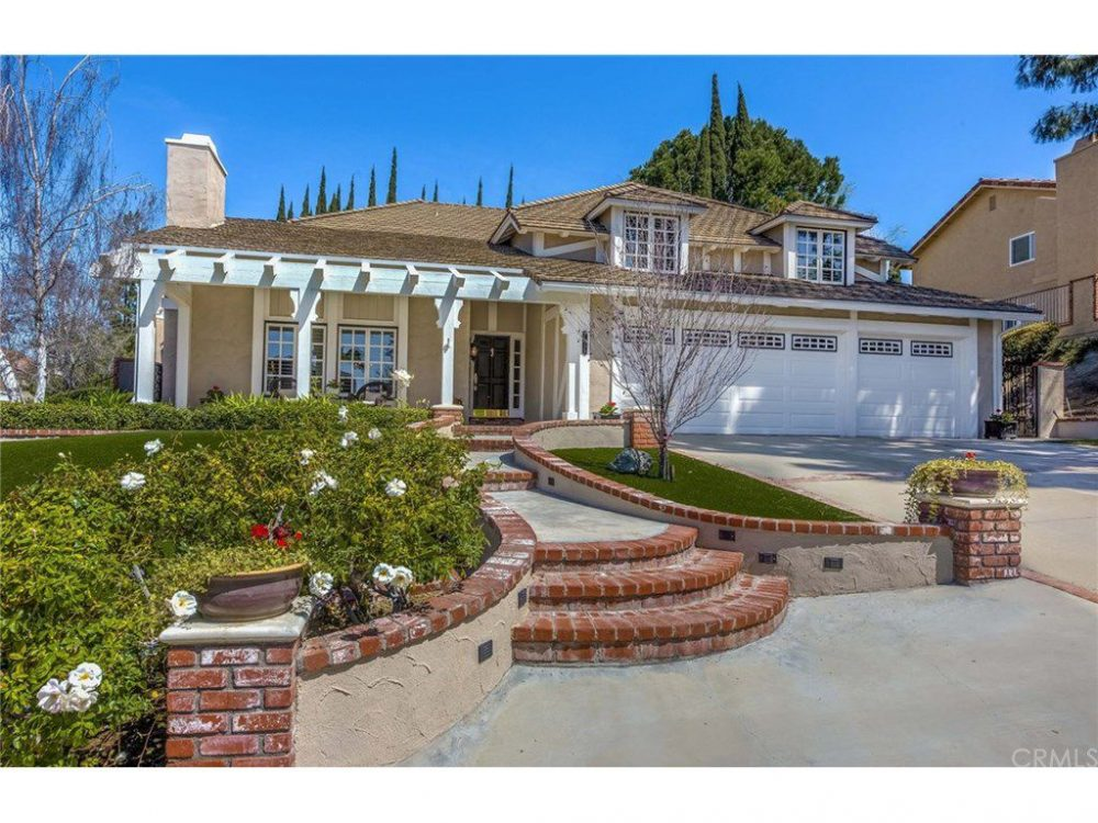 5-bedroom-in-Anaheim-for-$1M