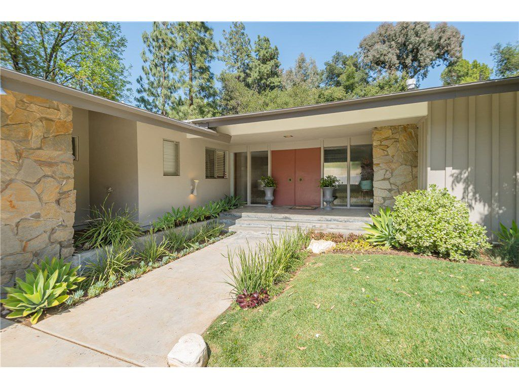 curtis stone leases and sells in the hollywood hills and encino entry