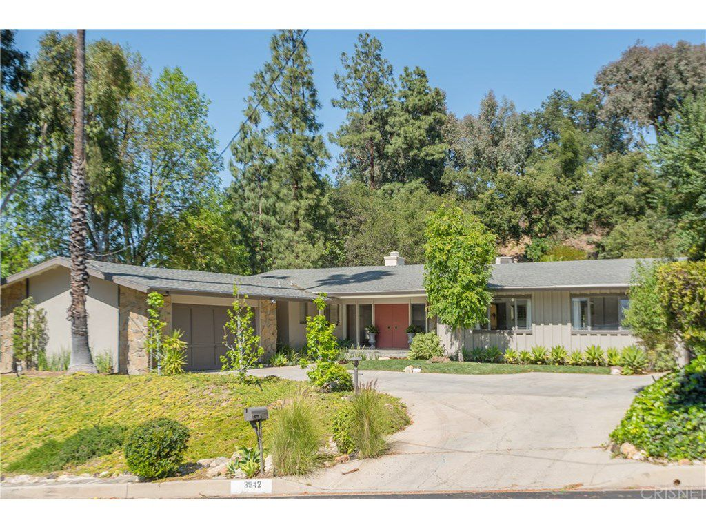 curtis stone leases and sells in the hollywood hills and encino exterior