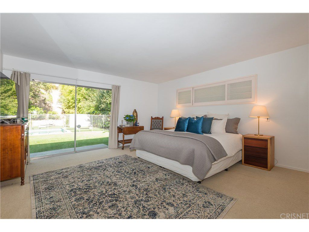 curtis stone leases and sells in the hollywood hills and encino master bedroom