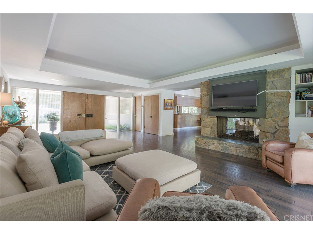 curtis stone leases and sells in the hollywood hills and encino family room 2