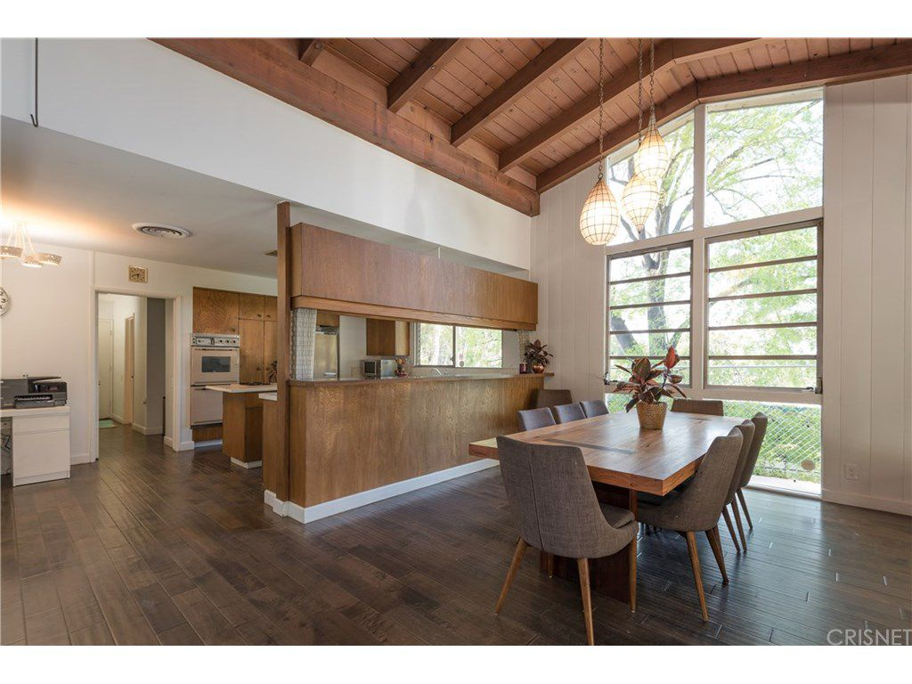 curtis stone leases and sells in the hollywood hills and encino dining
