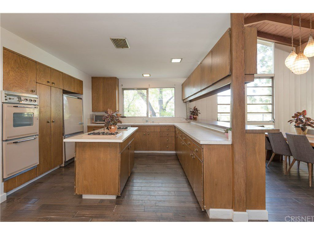 curtis stone leases and sells in the hollywood hills and encino kitchen