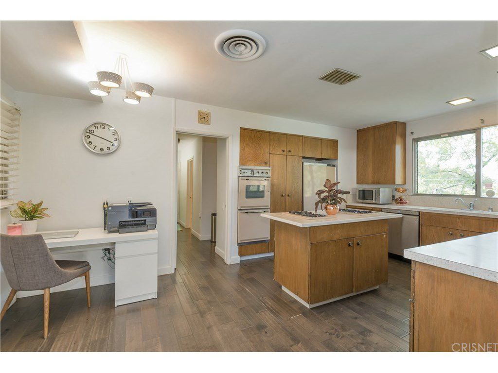 curtis stone leases and sells in the hollywood hills and encino kitchen 2