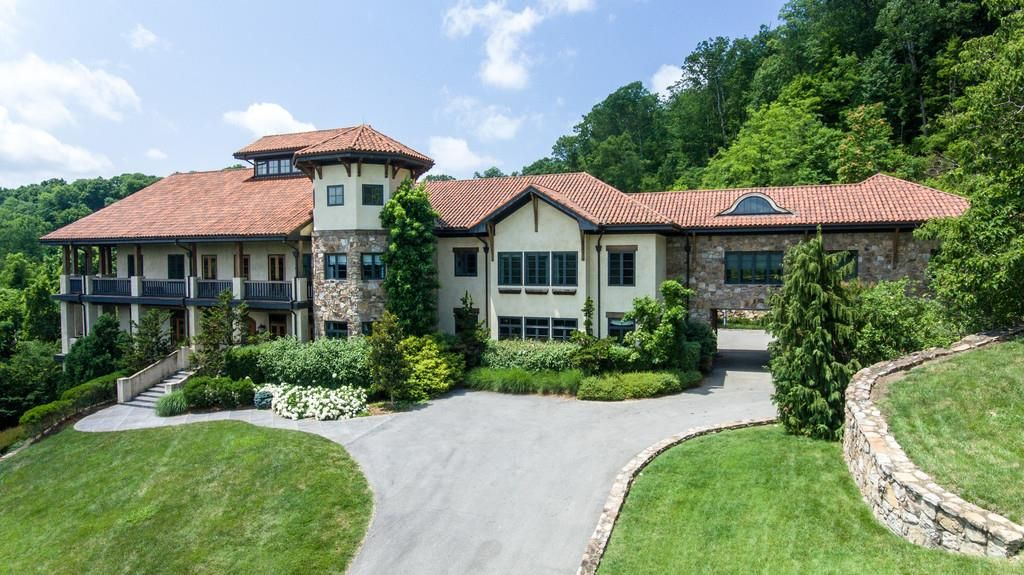 kristin cavallari and jay cutler list their nashville home for $7.9m exterior front