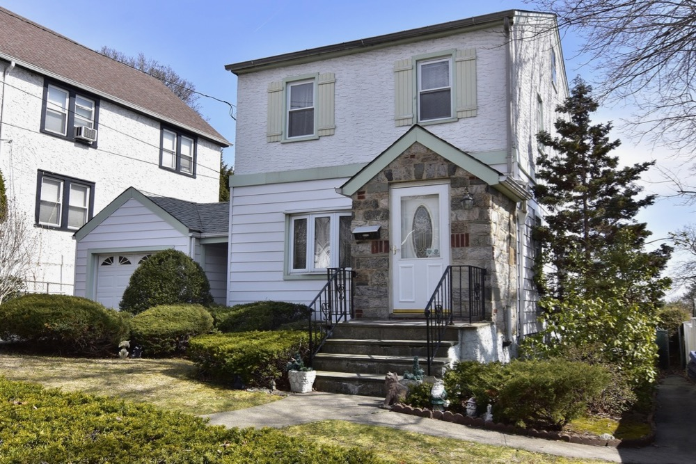 House in Yonkers Trulia most searched April