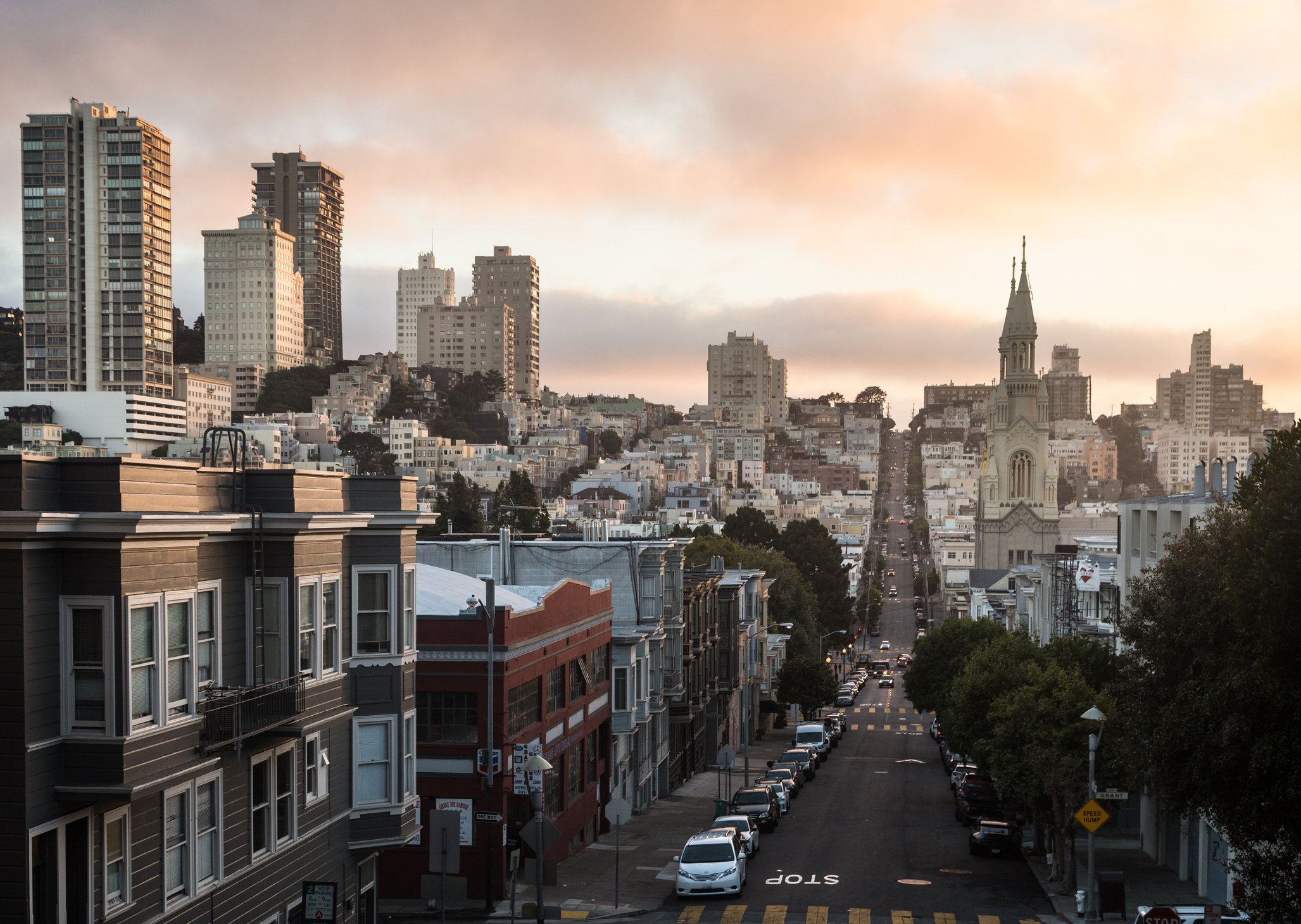 Sunset over Russian Hill, from Telegraph Hill in North Beach, in San Francisco, California, USA.